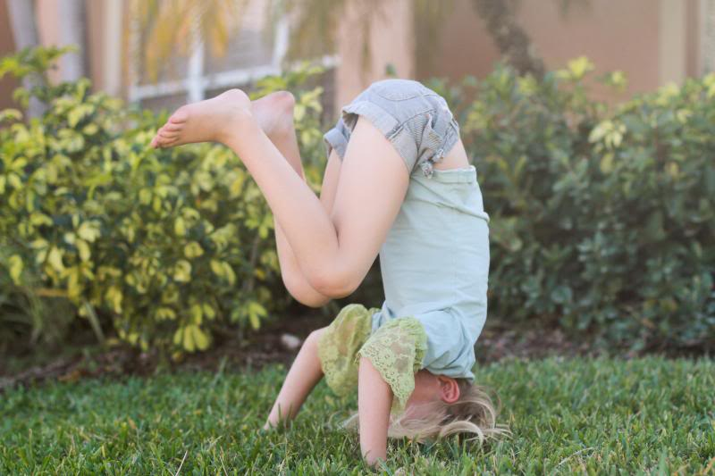 Spotting Headstands