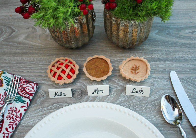 Make Stuff: Mini Thanksgiving Pie Placeholders