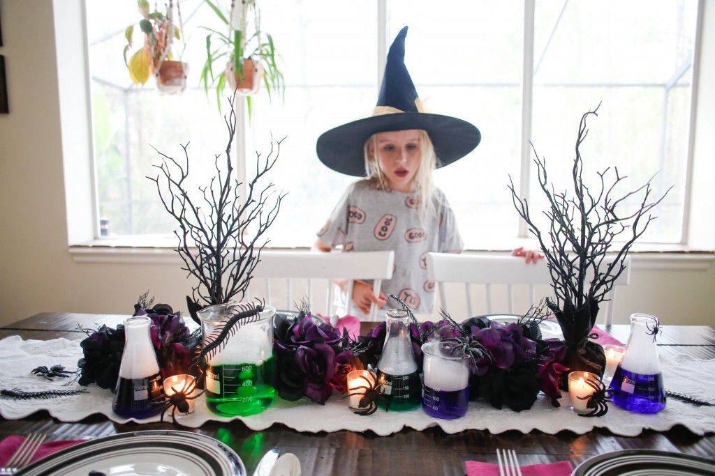 Make Your Own Spooktacular Halloween Centerpiece