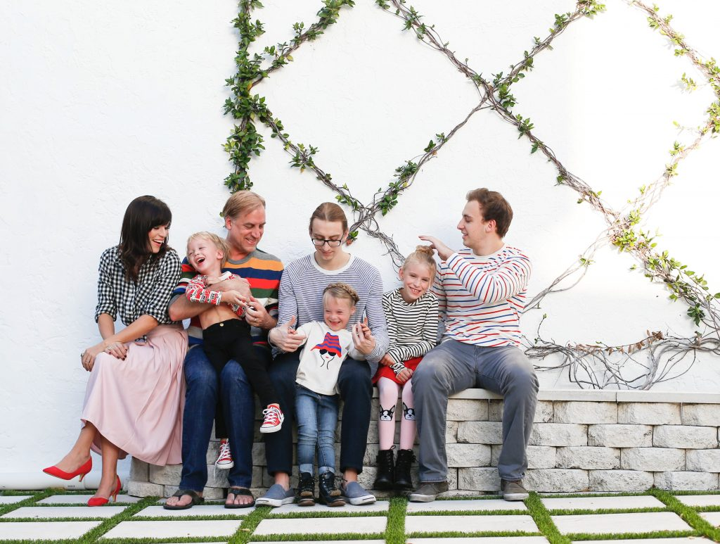What to Wear Coordinating Family Looks for the Holiday Card