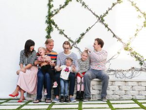 What to Wear: Coordinating Family Looks for the Holiday Card Photo